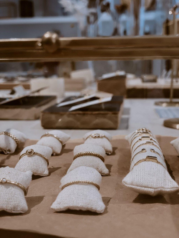 Armbänder im Store Tash Living