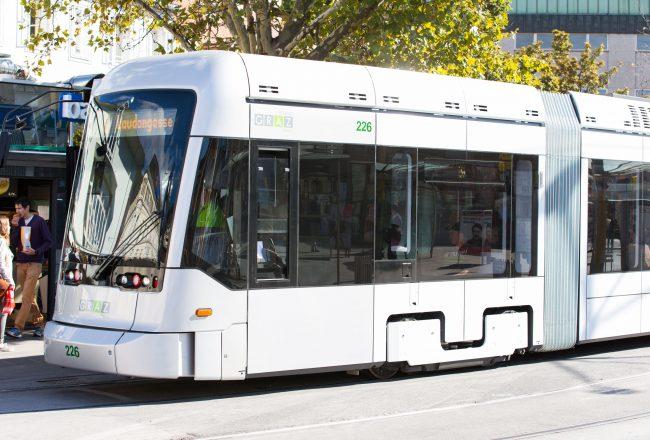 Straßenbahn (c) Graz Tourismus - Harry-Schiffer